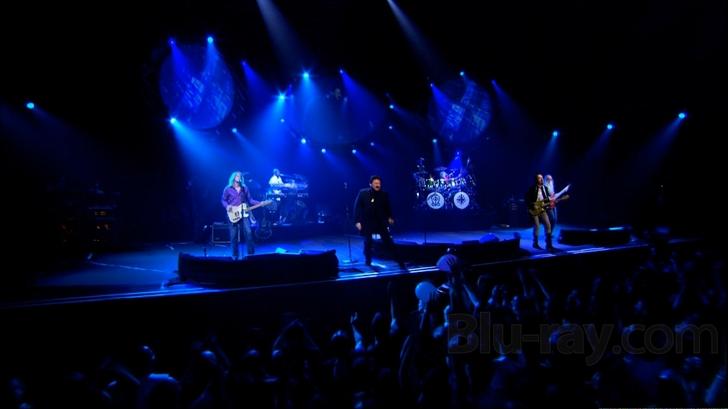Toto: Falling in Between Live Blu-ray